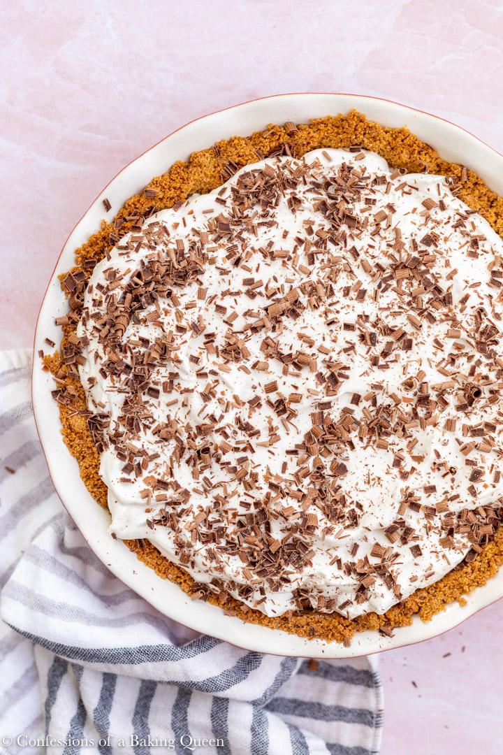 banoffee pie with chocolate shavings on top