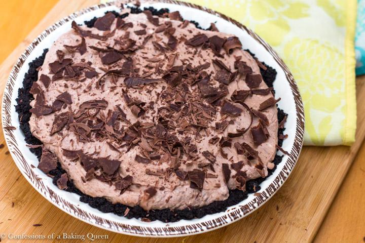 baileys irish cream pie in a brown and white pie plate